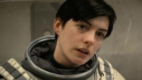 《星际穿越》最新中文预告 安妮·海瑟薇花容失色