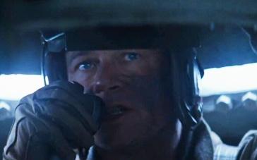 《狂怒》精彩片段 坦克小分队险成战场活靶