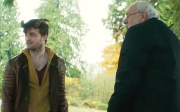 《神奇犄角》精彩片段 哈利波特长犄角吓呆神父