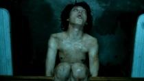 《辩护人》片段 林时完看守所遭非人虐待精神崩溃