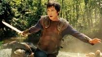 《波西·杰克逊》正式版预告 半神少年寻觅雷霆杖