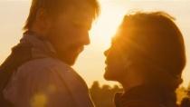 《远离尘嚣》先行版预告 凯瑞·穆里根陷爱情纠葛