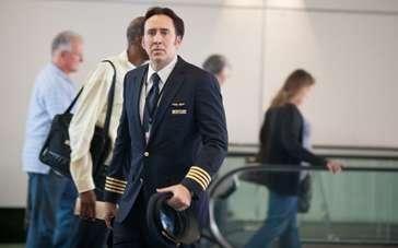 《末日迷踪》凯奇哥开飞机上演紧急迫降