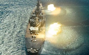 《超级战舰》精彩片段 驱逐舰漂移攻击外星战舰