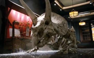 《博物馆奇妙夜3》中文片段 恐龙骨架追击斯蒂勒