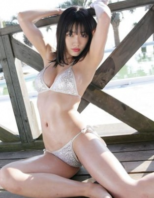 日本女星今野杏南比基尼风暴 沙滩假日清纯诱惑