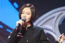 """山西女孩张焱登""""灰姑娘""""舞台 与黄晓明投入对戏"""