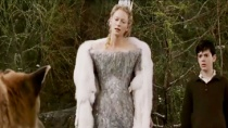 《纳尼亚传奇1》精彩片段 冰雪女巫无情施淫威