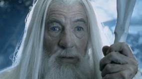 《指环王2》英雄片段 甘道夫归来升级为白袍巫师