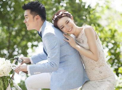 陈赫离婚原因非劈腿因工作 网友:把妻子找回来