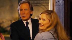 《涉外大饭店2》精彩片段 比尔·奈伊妻女意外到访