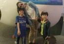 张柏芝情人节携俩儿子出游 母子三人亲密合影