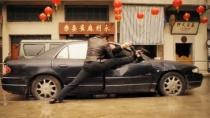 《致命追击》中文预告 尚格·云顿展开夺肾大战