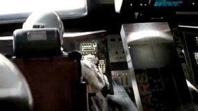 """《星际穿越》中文片段 机器人塔斯自称""""100%幽默"""""""
