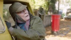 《货车里的女人》精彩预告 麦格教授出演无家老妇