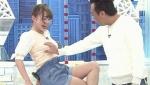 日本节目尴尬一幕 女嘉宾遭主持人当众袭击