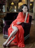 准人妻章子怡意大利写真首曝光 变身霸道女总裁
