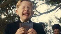 《小男孩》精彩预告 坚强男孩为寻父不惜一切