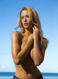 名模汉娜内衣写真合集 以手遮胸蕾丝透视诱惑无限