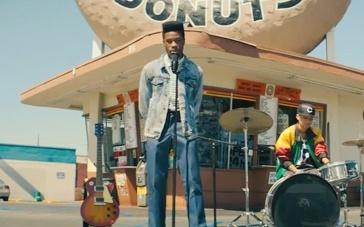 《酷毙了》中文预告片 嘻哈黑人少年追逐音乐梦想