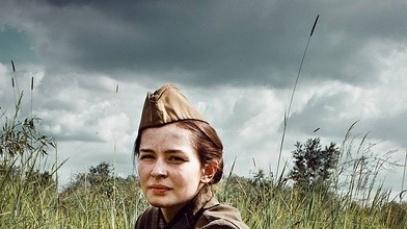 评《女狙击手》:女权主义包装下的反战主旋律