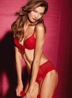 超模卡莉·克劳斯野性魅力写真 完美身材玩性感
