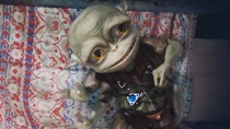 《楼上的外星人》预告片 小顽童智斗矮小入侵者