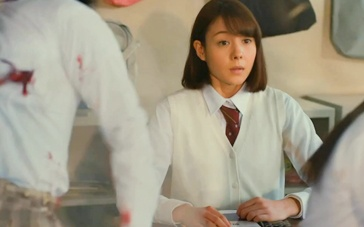 《真实魔鬼游戏》中文预告 全日本高中女生大逃亡