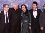 《狼图腾》剧组亮相会客厅 冯绍峰调侃雅克·阿诺