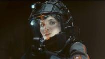 《无限》中文预告 未来世界精英部队追捕异形生物