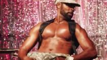 《巧克力之城》中文预告片 黑人舞娘完美肌肉线条