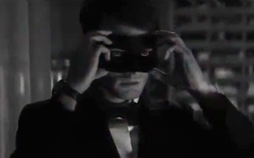 《五十度黑》先行版预告片 霸道总裁戴上鬼魅面罩