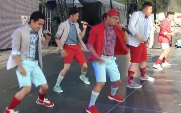 《完美音调2》幕后特辑 活力男孩组队献动感音乐