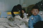 王宝强一双儿女首次亮相 儿子帅气呆萌女儿乖巧