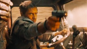 《疯狂的麦克斯4》片段 摩托小队围攻哈迪反击