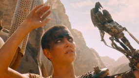 《疯狂的麦克斯4》曝光片段 塞隆携团队深入虎穴