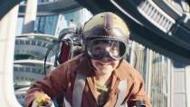 《明日世界》精彩片段 少年乘飞行器遨游新世界