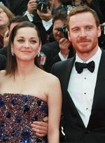 《麦克白》戛纳首映 歌迪亚宝石装亮相璀璨夺目