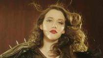 《横冲直撞好莱坞》国际版预告 破产女戴琳斯客串