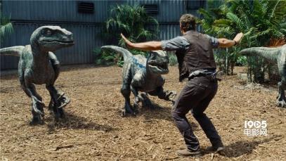 评《侏罗纪世界》:十四年的等待 平庸的续集