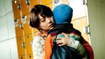 《储物柜》曝光片段 妓女母亲忍痛锁住自闭症儿子