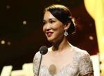 《我的诗篇》获最佳纪录片 范文芳优雅登台颁奖