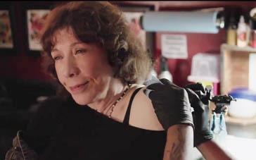 《祖母》美版预告片 酷祖母替意外怀孕孙女出头