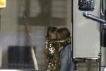 麦莉与同性超模停车场疯狂热吻 坐实热恋传闻