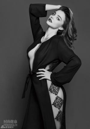 米兰达·可儿首拍中国杂志 真空装秀热辣身材