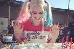 女小丑《自杀小队》片场庆生 蛋糕造型独具特色