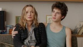 《洛洛》中文预告片 单身母亲德尔比为爱情陷两难