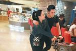港媒曝钟丽缇与张伦硕已同居 两人甜蜜逛超市