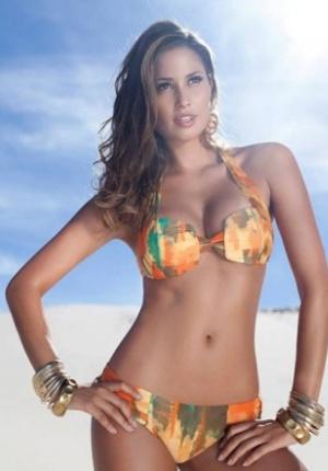 巴西美女热情巨乳写真来袭 展诱惑身姿电臀迷人