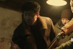 """9月27日是刘德华的生日,恰逢电影行业进入到厮杀激烈的国庆档期,刘天王主演的《解救吾先生》亦在其中。为给《吾先生》助力,刘德华在其粉丝官网上发布了一篇名为《解救吾先生》的日志,与大家分享自己的片场心情。文中除曝光了海量幕后片场照以外,更是以长文的形式,首次谈及了在拍摄《解救吾先生》中的点滴经历。华仔不仅自嘲为了导演""""尝尽身肉之苦"""",但依旧""""舍命陪君子"""",更是对刘烨、吴若甫、王千源以及蔡鹭等众主创夸赞不已,称""""每部电影,总有一群人让我心内温暖""""。"""